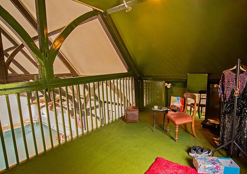 HOS-green-balcony