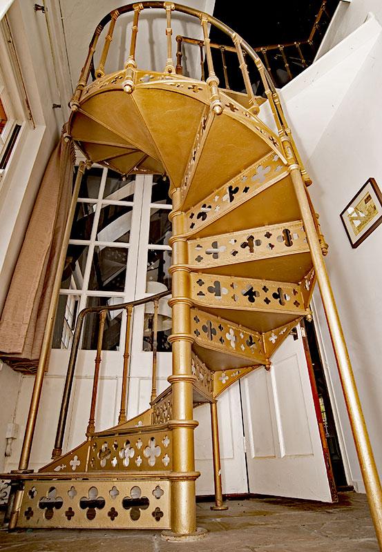 HOS-staircase